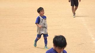 FC宮里は人数不足のため5年生が二人入ってます!2年生も一人入ってます。
