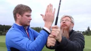 Учимся играть в гольф. Как правильно бить по мячу.
