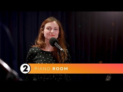 Sophie Ellis‐Bextor - I Feel It Coming (Radio 2 Piano Room)