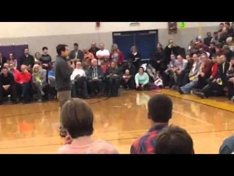 Jamie Weinstein gives speech for Jim Gilmore at Iowa caucus