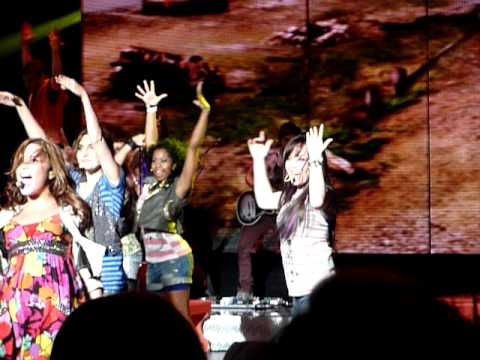 Brand New Day- Demi Lovato & Camp Rock 2 Cast Holmdel NJ 8/17/10