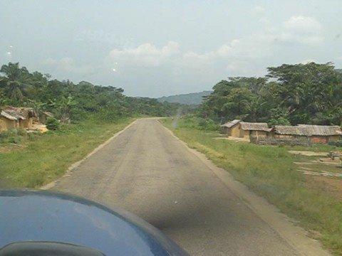 "Cessna 208 Caravan landing ""runway"" 12 Walikale, Congo"