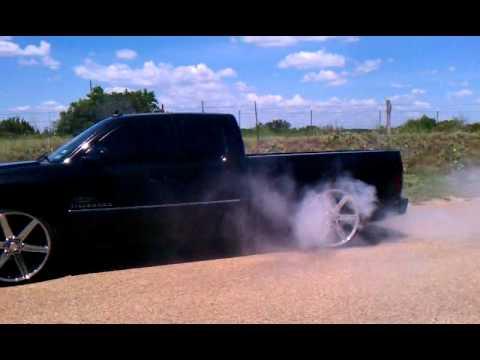 Chevy Silverado Guy >> 2010 silverado burnout on 26s - YouTube