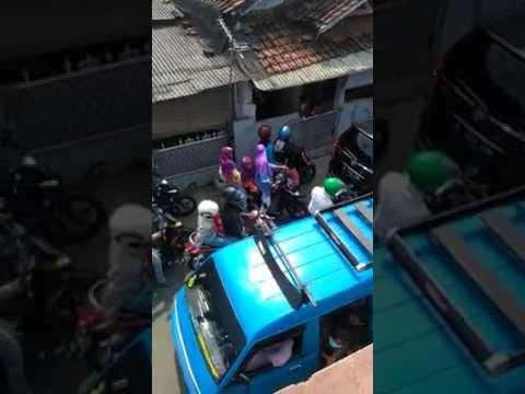 Kemacetan parah di Jalan Wadas, Pancoran Mas, Depok, Rabu