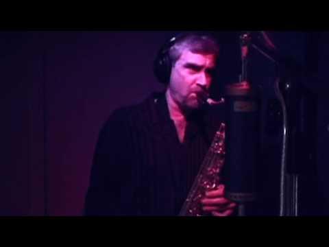 Rod Stewart & Carly Simon Saxophonist Tom Evans Recording Playboy Theme Tenor Sax