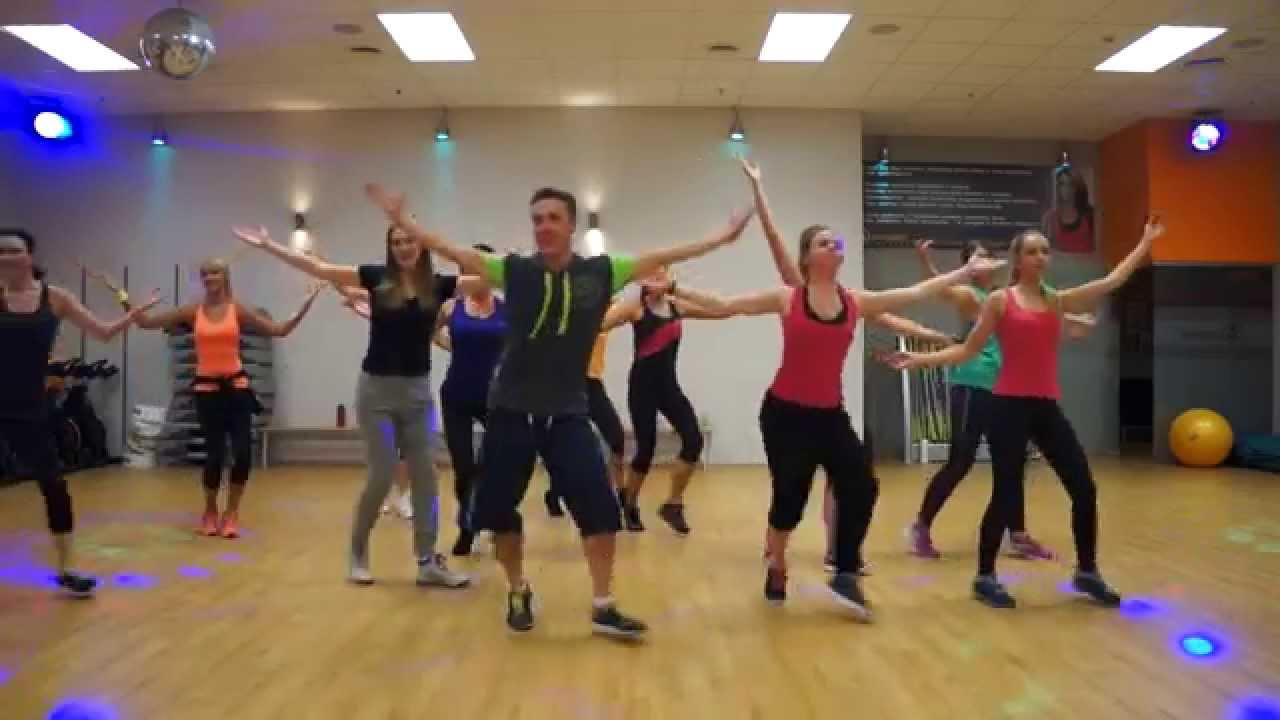 Zumba Bailando ( Se Te Va Bailando ) Salsa