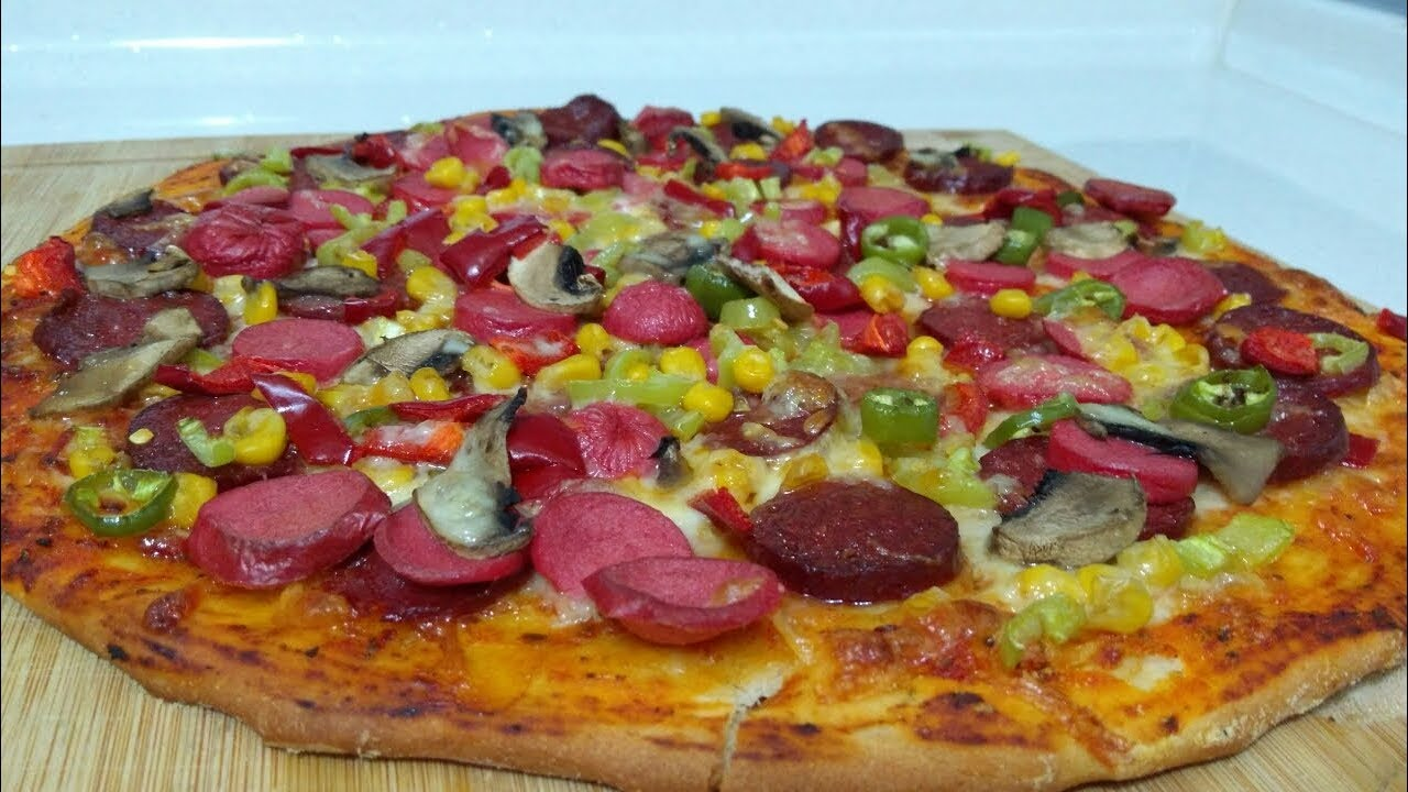 Kenar Dolgulu Sucuklu Pizza Tarifi – Pizza Tarifleri
