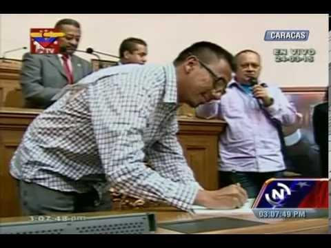 Diputados revolucionarios firman contra decreto de Obama, la mayoría de los opositores se niegan