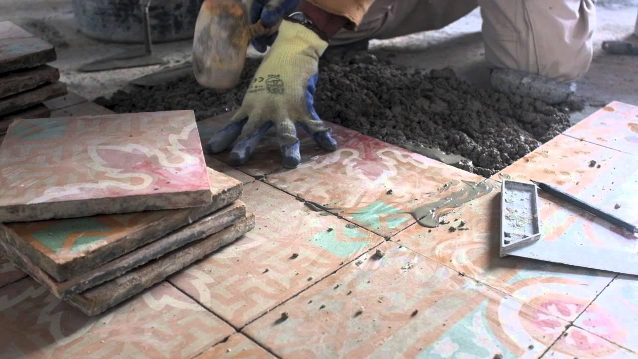 Poner baldosas suelo latest cmo instalar suelos vinlicos - Baldosas para suelos ...