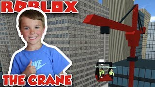 TESTING THE CRANE in ROBLOX VEHICLE SIMULATOR | DRAG RACES | CAR STUNTS