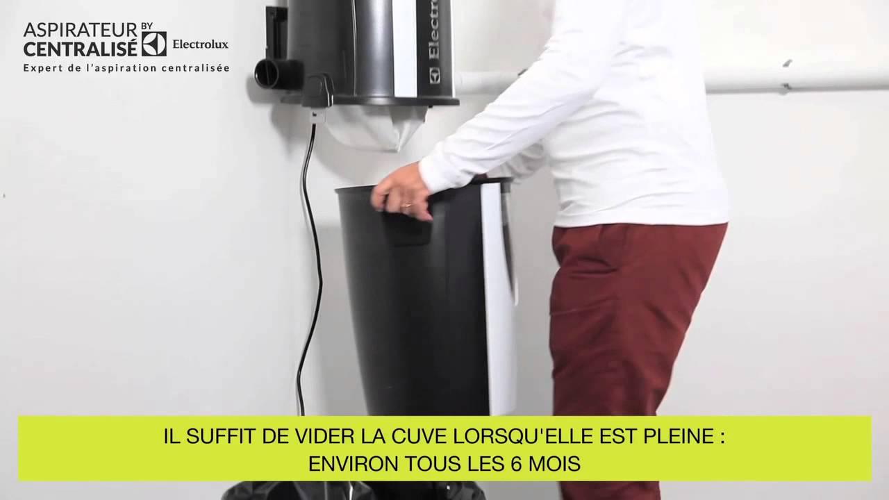 L 39 entretien de l 39 aspirateur centralis by electrolux youtube for Aspirateur de table electrolux
