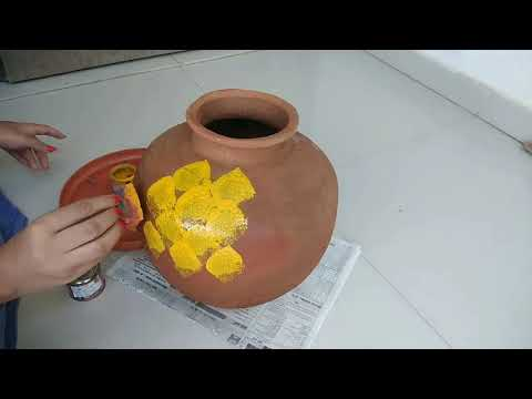 amazing garden decoration idea to use old matka/reuse of old clay pot/purane matkemese banaye gamla