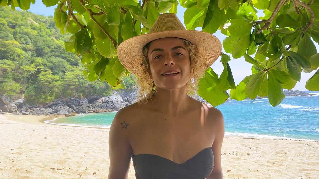Chela Rivas - Silencio by the beach (official)
