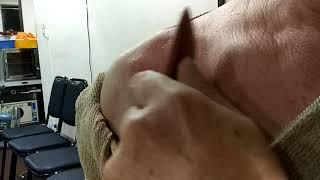 手太陰肺經中府穴、雲門穴刮痧保健法強化肺呼吸系統及防乳癌