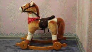 Обзор игрушки Лошадка-качалка Grand Step с колесами озвученная 46 см