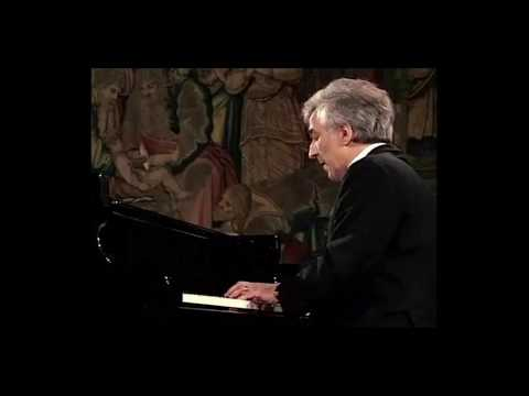 Mussorgsky Pictures at an Exhibition - Ashkenazy (Live, 1982)