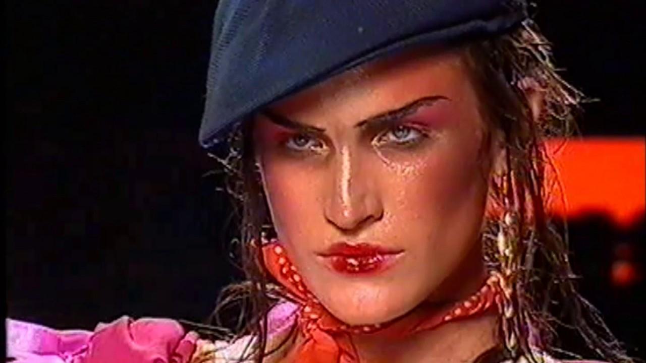Christian Dior Haute Couture Fall-Winter 2003-2004