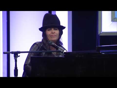 "Linda Perry ""What's Up"" - LA Impact Awards"