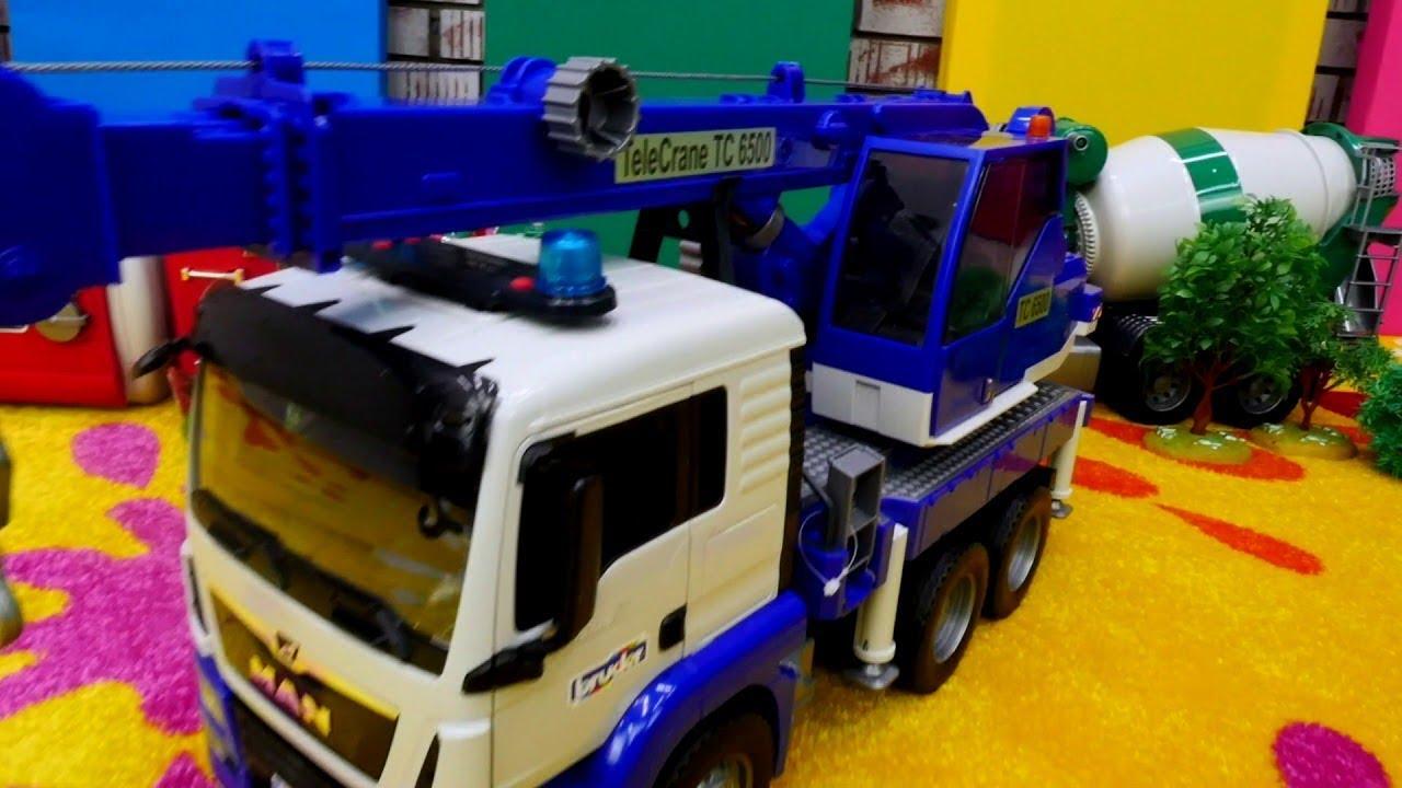 Download Tolle Spielzeugautos - McQueen stellt uns die neuen Fahrzeuge von Bruder vor