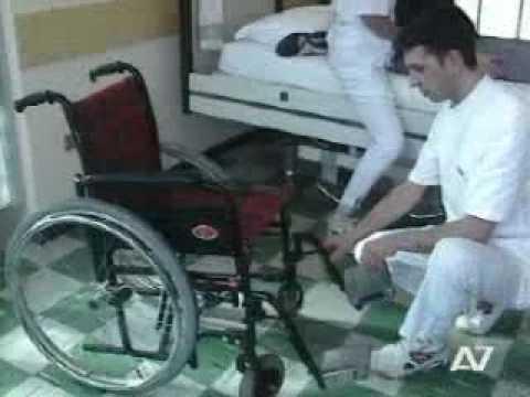 Dvd consigli assistere disabile o persona non autosuffi - Mobilizzazione paziente emiplegico letto carrozzina ...