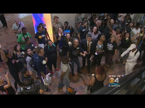 Protests Continue As Dade Commissioners Take Up Mayor's Immigration Decision