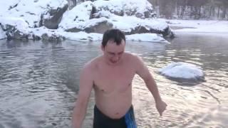 Голубые озёра Алтай(Температура окружающего воздуха -14 гр.с. Температура воды в озере +2., 2017-01-05T08:15:38.000Z)