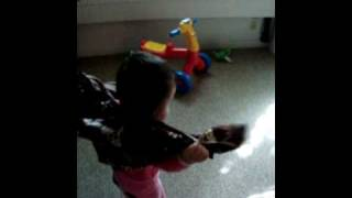 Download Video Safiyyah dan kain batik MP3 3GP MP4