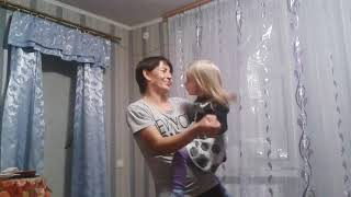 20171028 танец мамы и сына.