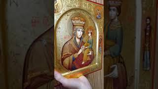 """Писанная икона Богородицы """"Споручница Грешных""""."""