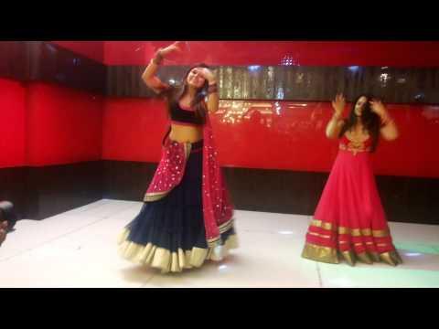In aankhon ki masti - Priyanka n Nitasha