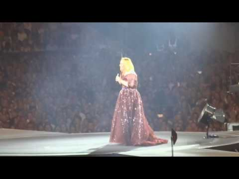 Adele (18-03-2017) - Beyonce Impersonation(1min24), Talking About Skyfall, Dance Class Etc Melbourne