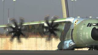 A400M - first plane for Royal Air Force - engine tests and taxying