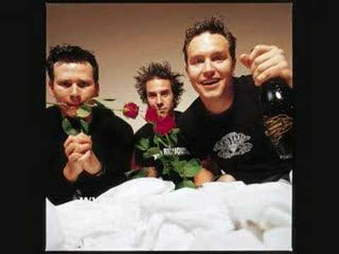 Blink 182 - ABSOLUTELY Free MP3 downloads