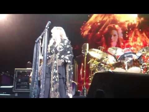 "Fleetwood Mac ""Stand back"" O2 Arena Berlin, 16.10.2013"