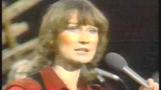 Music - 1979 - ACL Live - Gail Davies - Blue Heartache & Taking My Bucket Down The South Road thumbnail
