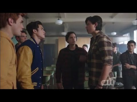Reggie Accuses Sweet Pea Of Murdering Midge! - Riverdale 2x20 'We Just Need To Find Out Who!'