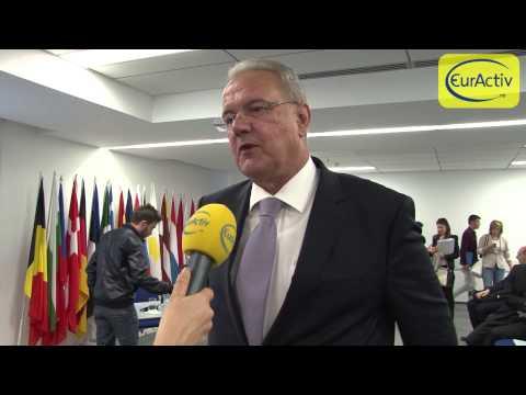 Interviu cu Neven Mimica, comisarul european pentru protectia consumatorului