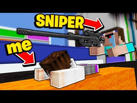 WORLD'S SMALLEST PLAYER vs LARGEST SNIPER! (Minecraft Hide and Seek)