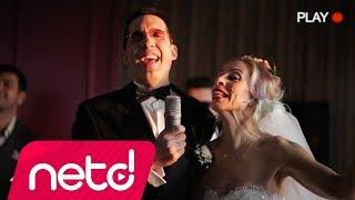 Ahmet Beyler & Zeynep Casalini - Aşk Yayıcam Valla