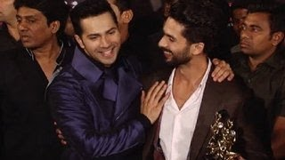 Shahid Kapoor TEASES Varun Dhawan with Alia Bhatt Shraddha Kapoor  Life Ok Screen Awards 2015