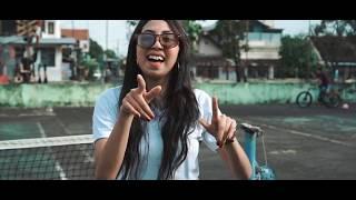Download TAKUT BELIS KAKA MUNDUR - YENITHA (Official Music Video)