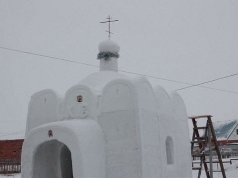 Raw: Russian Builds Church From Snow, Ice