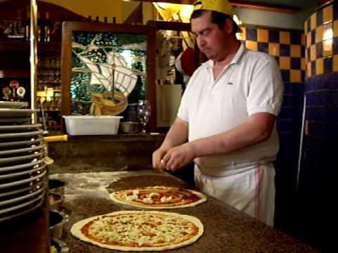 Ristorante Pizzeria Il Veliero Bologna (Via Milazzo 11 / A, 40121 Bologna, Tel. 051 255888)
