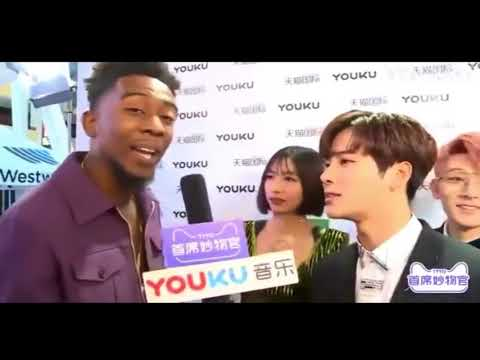 Asian Woman Thinks Desiigner Is Rapping During Interview At The AMA's