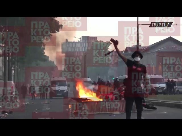 <span class='as_h2'><a href='https://webtv.eklogika.gr/gallia-i-astynomia-erixe-chimika-se-diamartyria-enantia-stin-astynomiki-varvarotita-sto-parisi' target='_blank' title='Γαλλία: Η αστυνομία  έριξε χημικά σε διαμαρτυρία ενάντια στην αστυνομική βαρβαρότητα στο Παρίσι'>Γαλλία: Η αστυνομία  έριξε χημικά σε διαμαρτυρία ενάντια στην αστυνομική βαρβαρότητα στο Παρίσι</a></span>