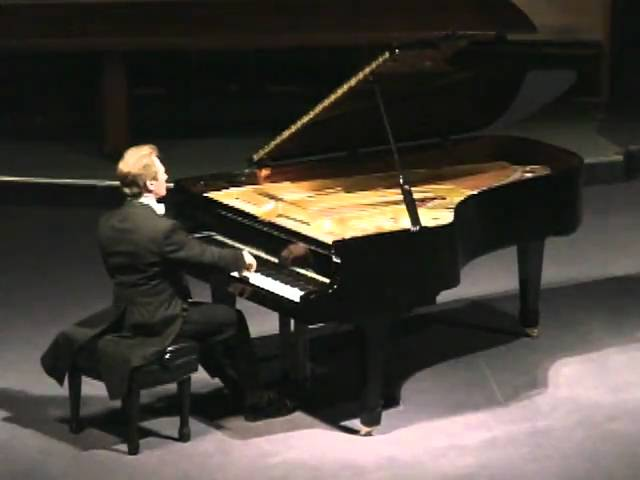 Michael Fennelly plays J.S. Bach Chromatic Fantasy and Fugue