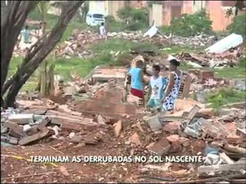 Mais casas são derrubadas no Sol Nascente