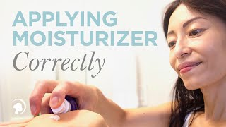 Learn How to Apply Moisturizer Correctly with Anti-Aging Expert Fumiko Takatsu thumbnail