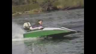 Petit bateau 8 pied fait maison avec moteur 25 hp