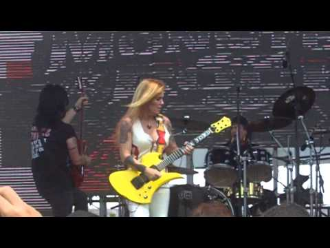 Lita Ford: Falling In & Out Of Love